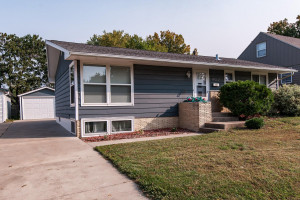 1817 18 1/2 Street NW, Rochester, MN 55901