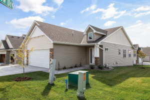 2741 Ridgeview Drive, Red Wing, MN 55066