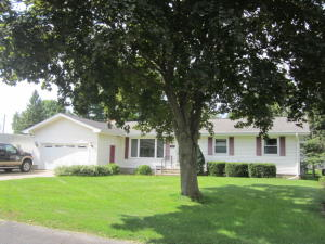 1109 Morningside Court, Marinette, WI 54143