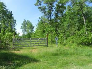 Molly Four Road, Crivitz, WI 54114