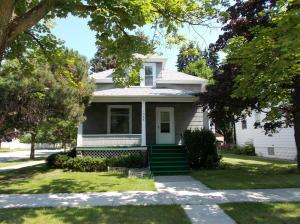 1328 10th Street, Marinette, WI 54143