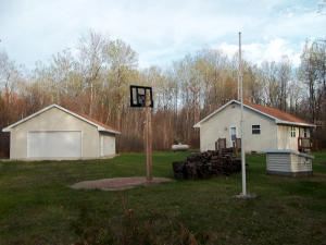 W13184 Balsam Lake Road, Crivitz, WI 54114