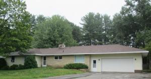 929 Edgewood Circle, Marinette, WI 54143