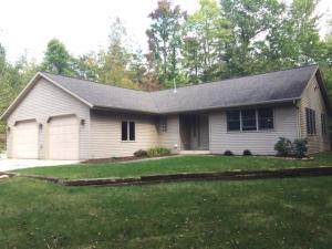 N8634 Maple Beach Road, Crivitz, WI 54114