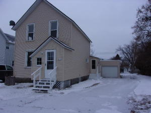 1329 Pierce Avenue, Marinette, WI 54143