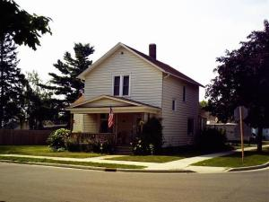 1235 Logan Avenue, Marinette, WI 54143