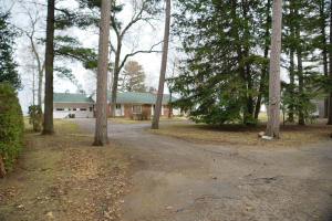 W431 Oakwood Beach Road, Marinette, WI 54143