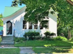 1438 Newberry Avenue, Marinette, WI 54143