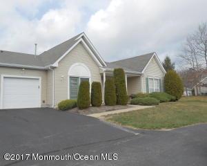 65 Deerchase Lane 100d, Lakewood, NJ 08701