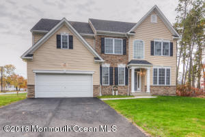 816 Monmouth Avenue, Toms River, NJ 08757