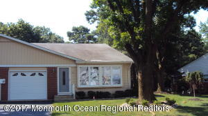2 Independence Parkway B, Whiting, NJ 08759