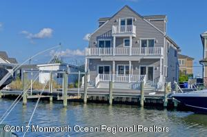 34 Bay Point Drive, Toms River, NJ 08753