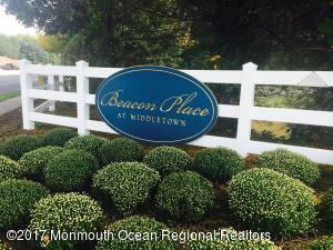 812 Wedgewood Circle, Belford, NJ 07718