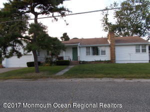 133 W Cape May Avenue, Ocean Gate, NJ 08740