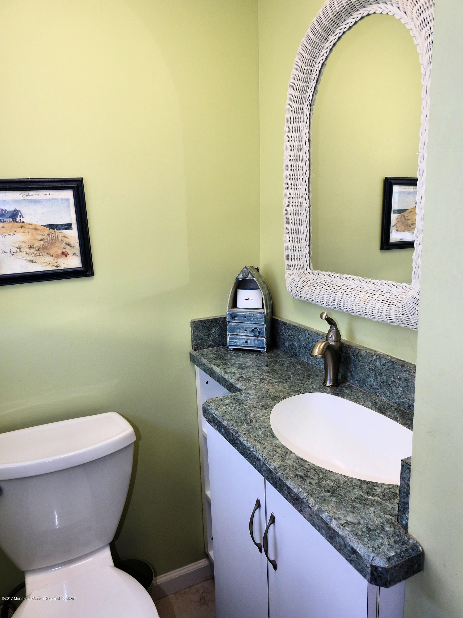 112 W Tide Way - Picture 12