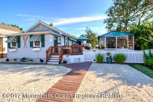 112 N 3rd Street, Surf City, NJ 08008