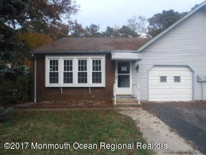 8a Portsmouth Street, Whiting, NJ 08759