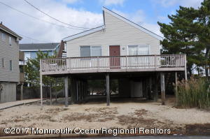 17 W Jeanette Avenue, Beach Haven, NJ 08008