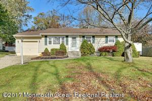 48 Dogwood Lane, Toms River, NJ 08753