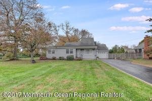 12 Hastings Place, Monmouth Beach, NJ 07750
