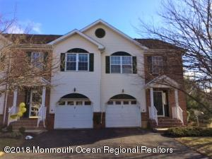 4 Heron Court, Manalapan, NJ 07726