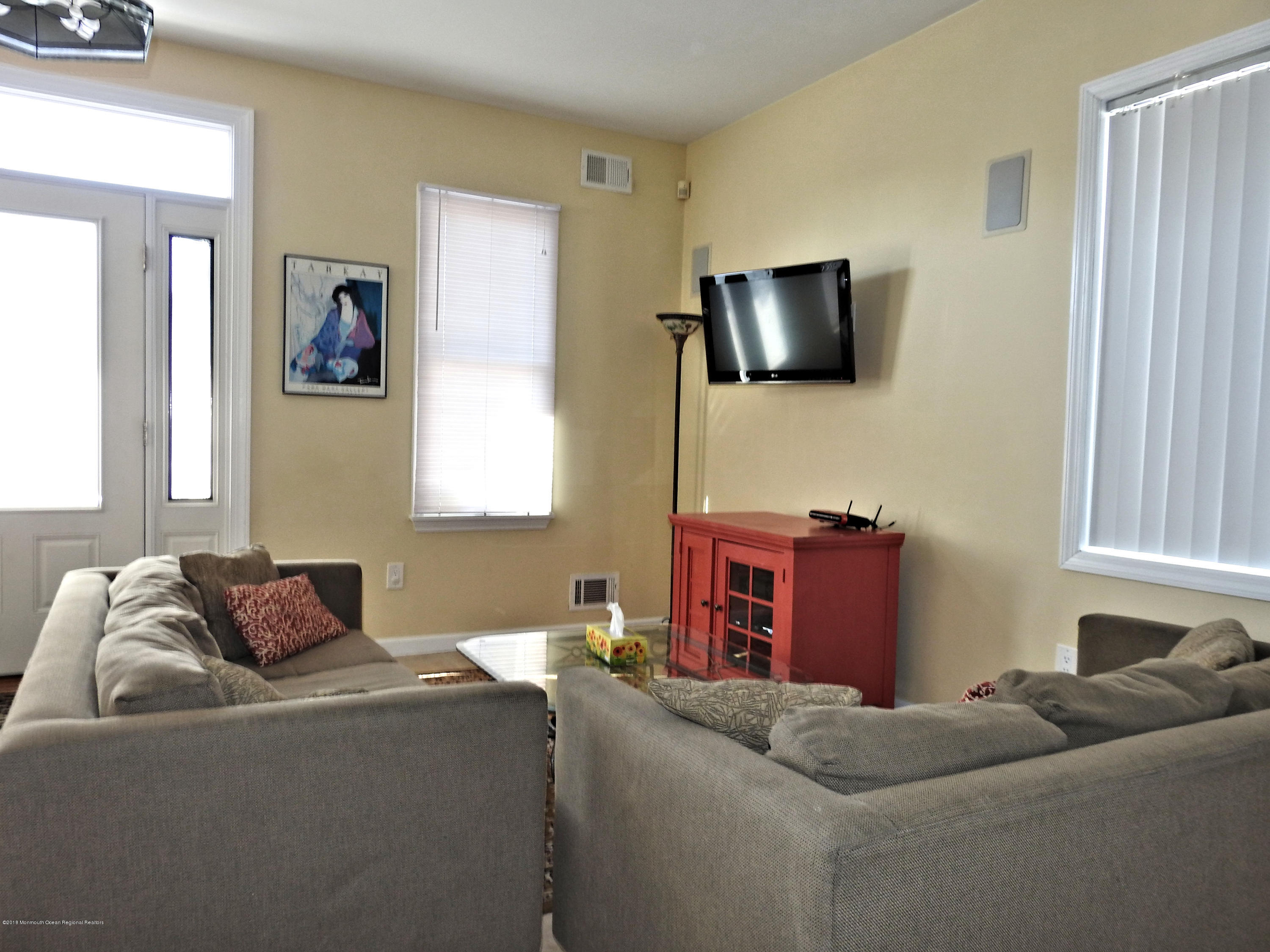 15 E Shore Way - Picture 7