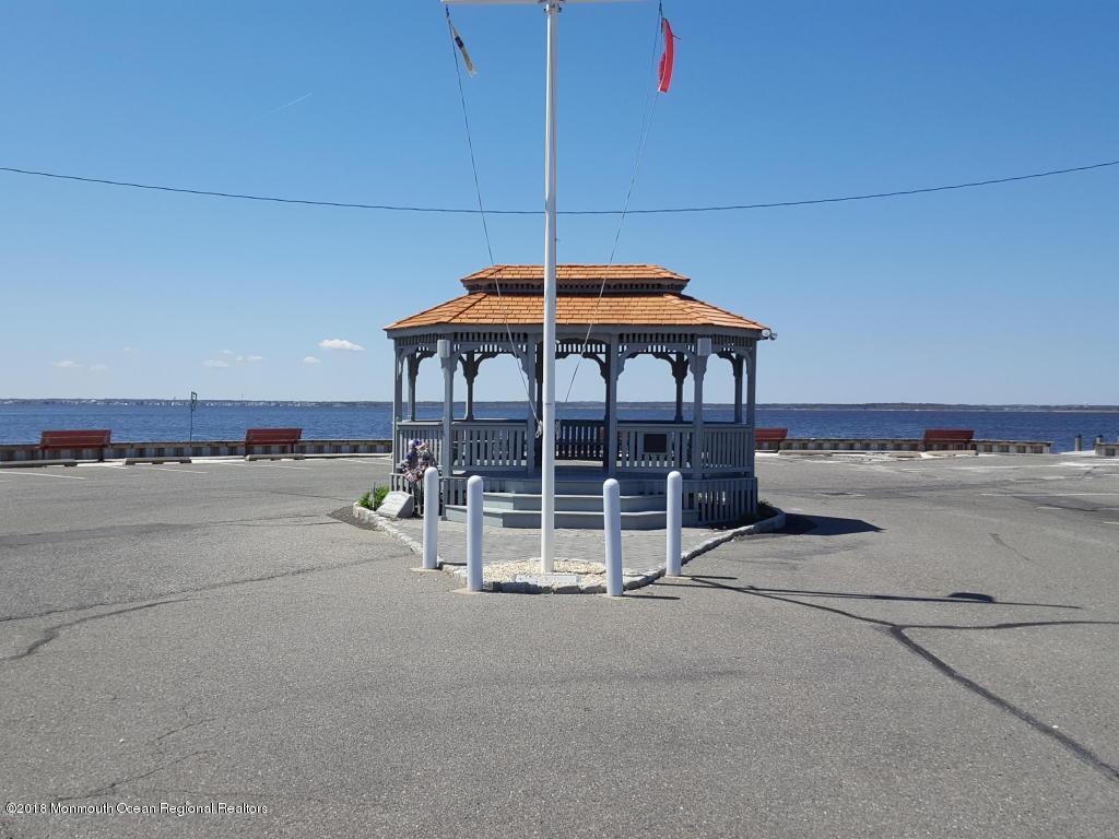 231  Harbor Drive - Picture 12