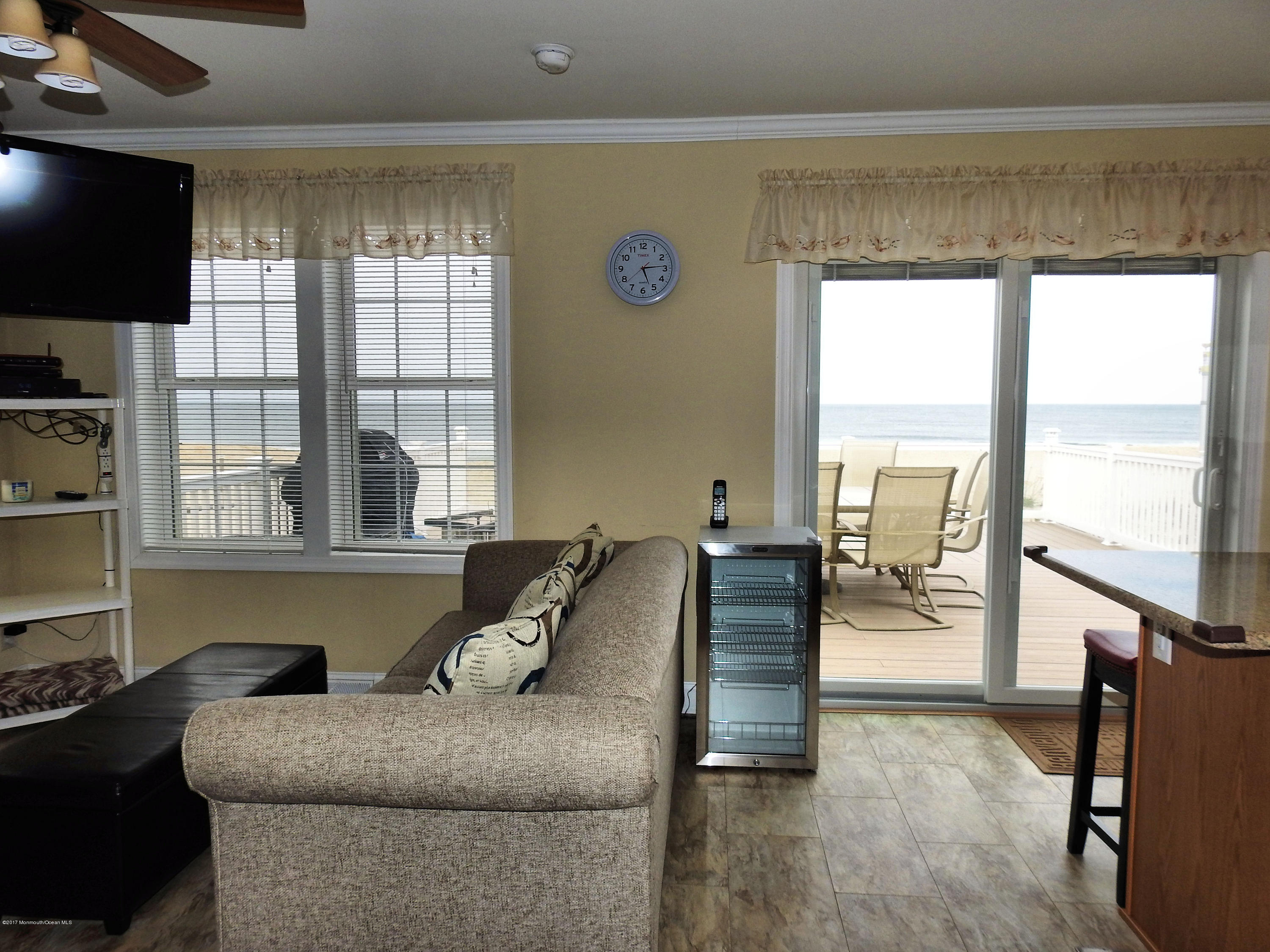 3286  Seaview Road - Picture 5