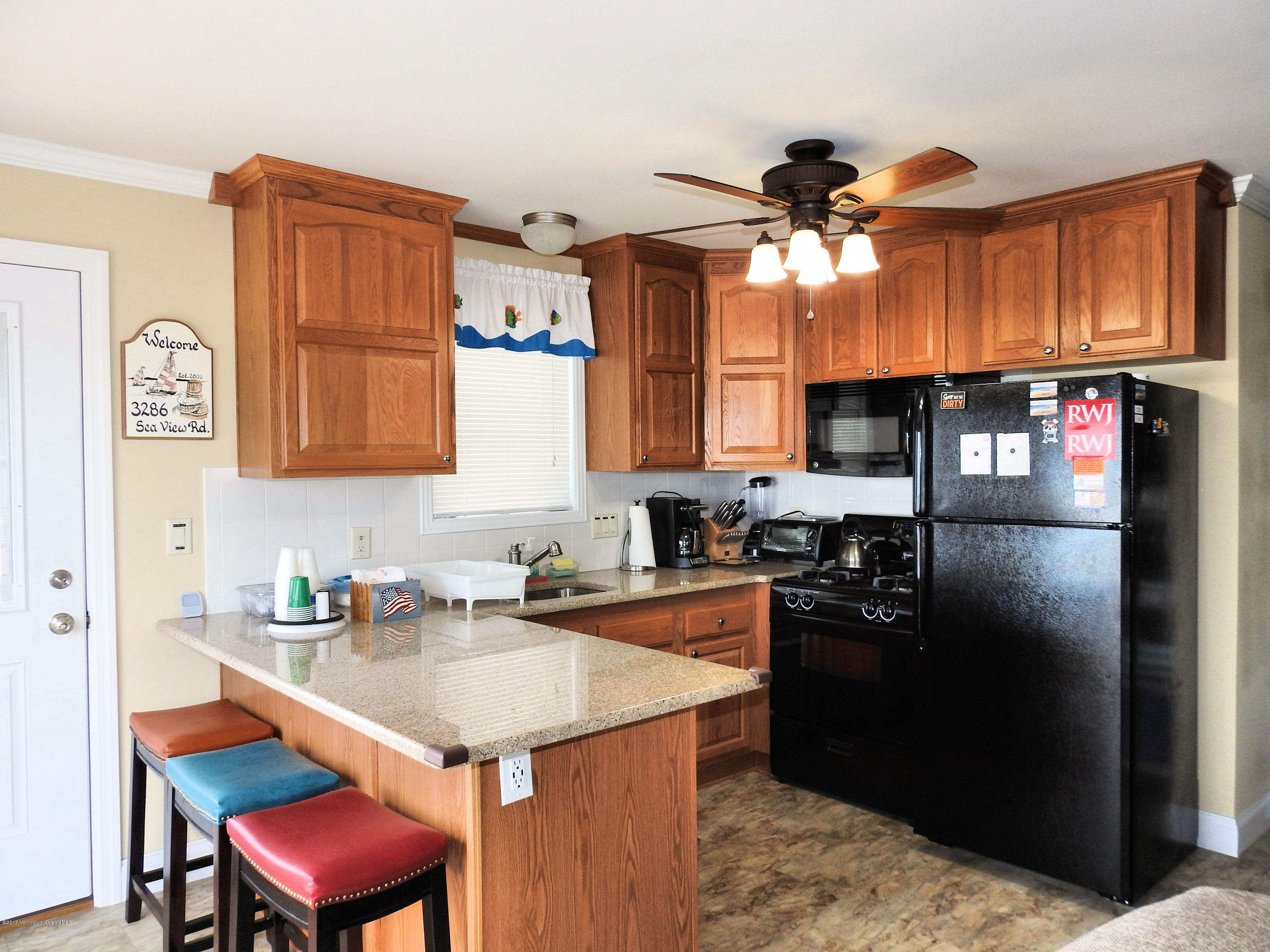 3286  Seaview Road - Picture 6