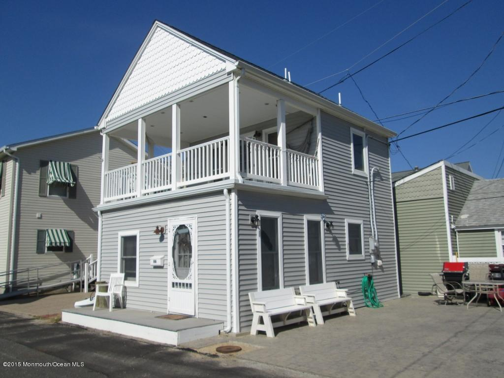 66 E Beach Way - Picture 1
