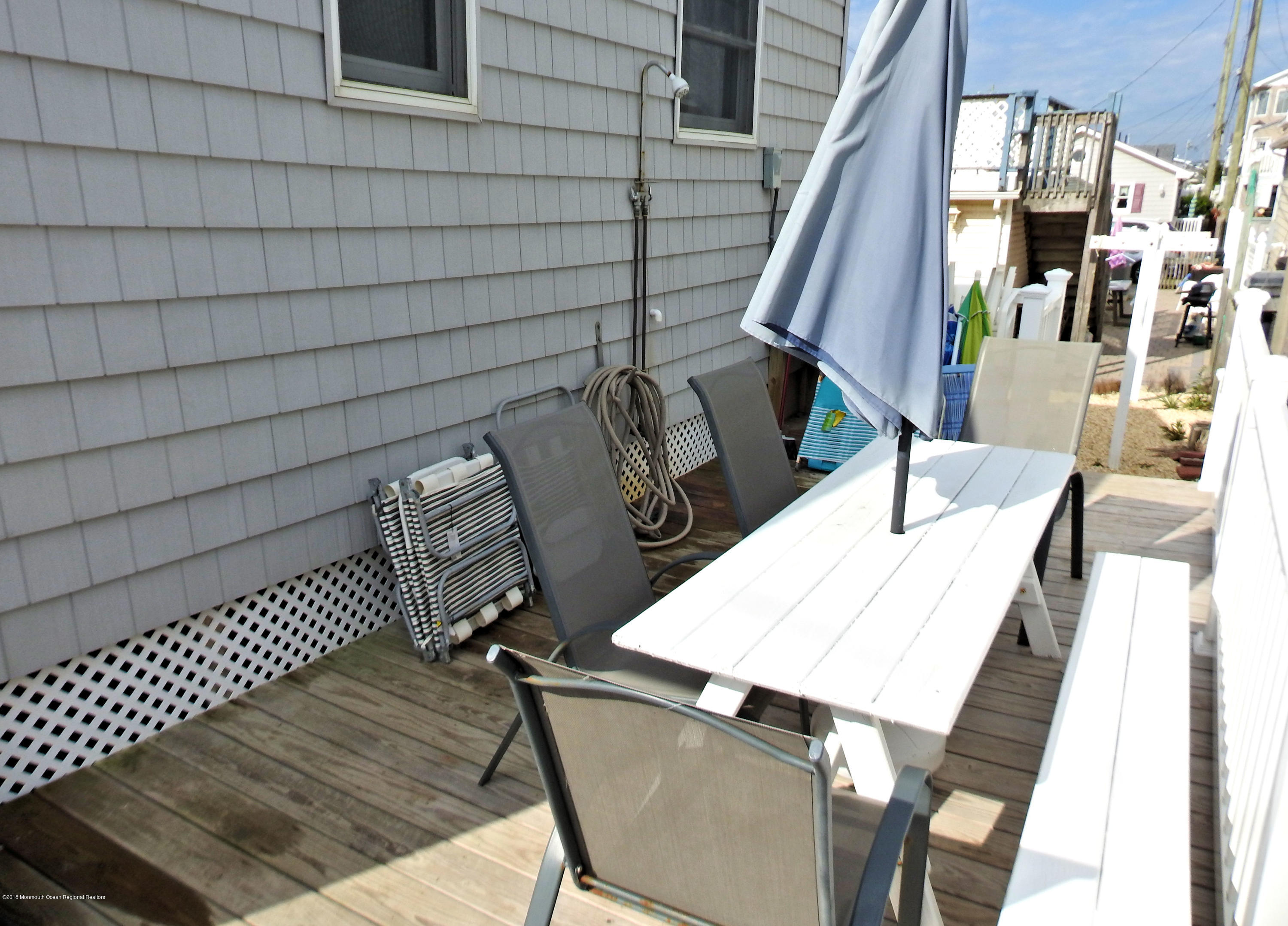 3421  Seaview Road - Picture 10