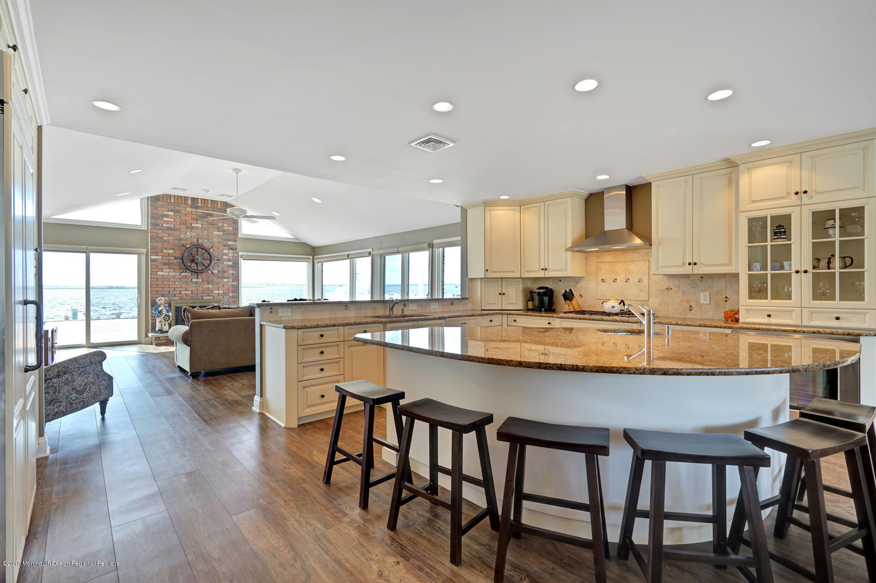161  Pershing Boulevard - Picture 9