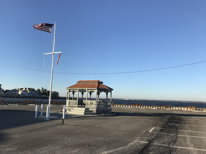 205  Harbor Drive - Picture 24