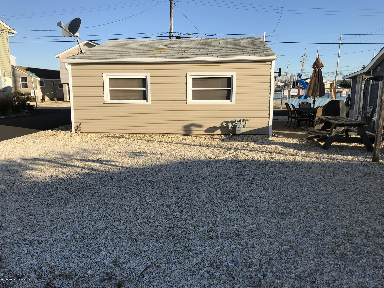 205  Harbor Drive - Picture 17