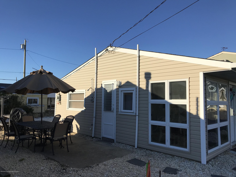 205  Harbor Drive - Picture 2
