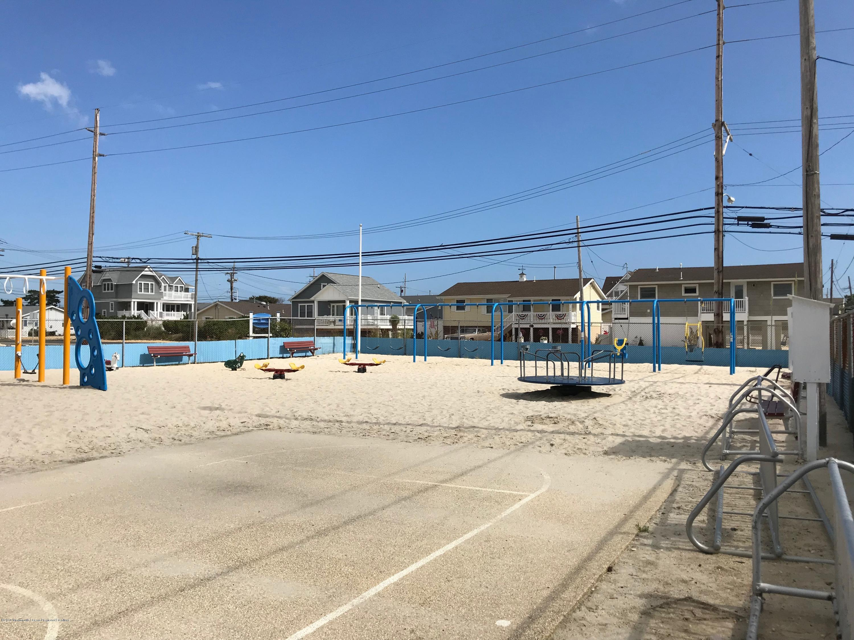 205  Harbor Drive - Picture 22