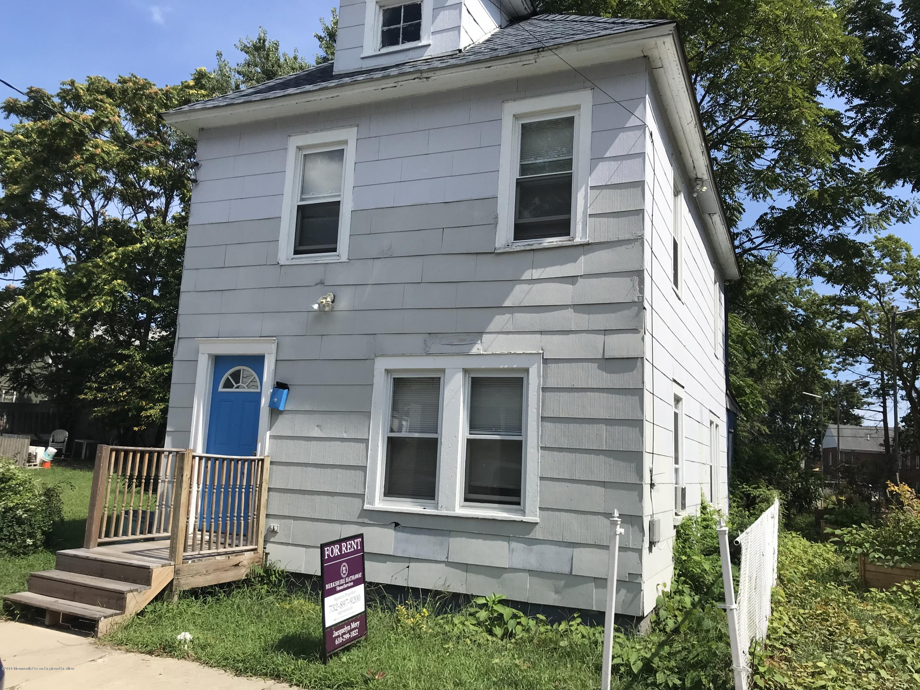 Available now....Large, newly renovated home located at the end of a quiet street in the hot city of Asbury Park! HW floors throughout, Washer/Dryer included. Next to a new walking path created by the city. Proof of income. Credit check. No smokers