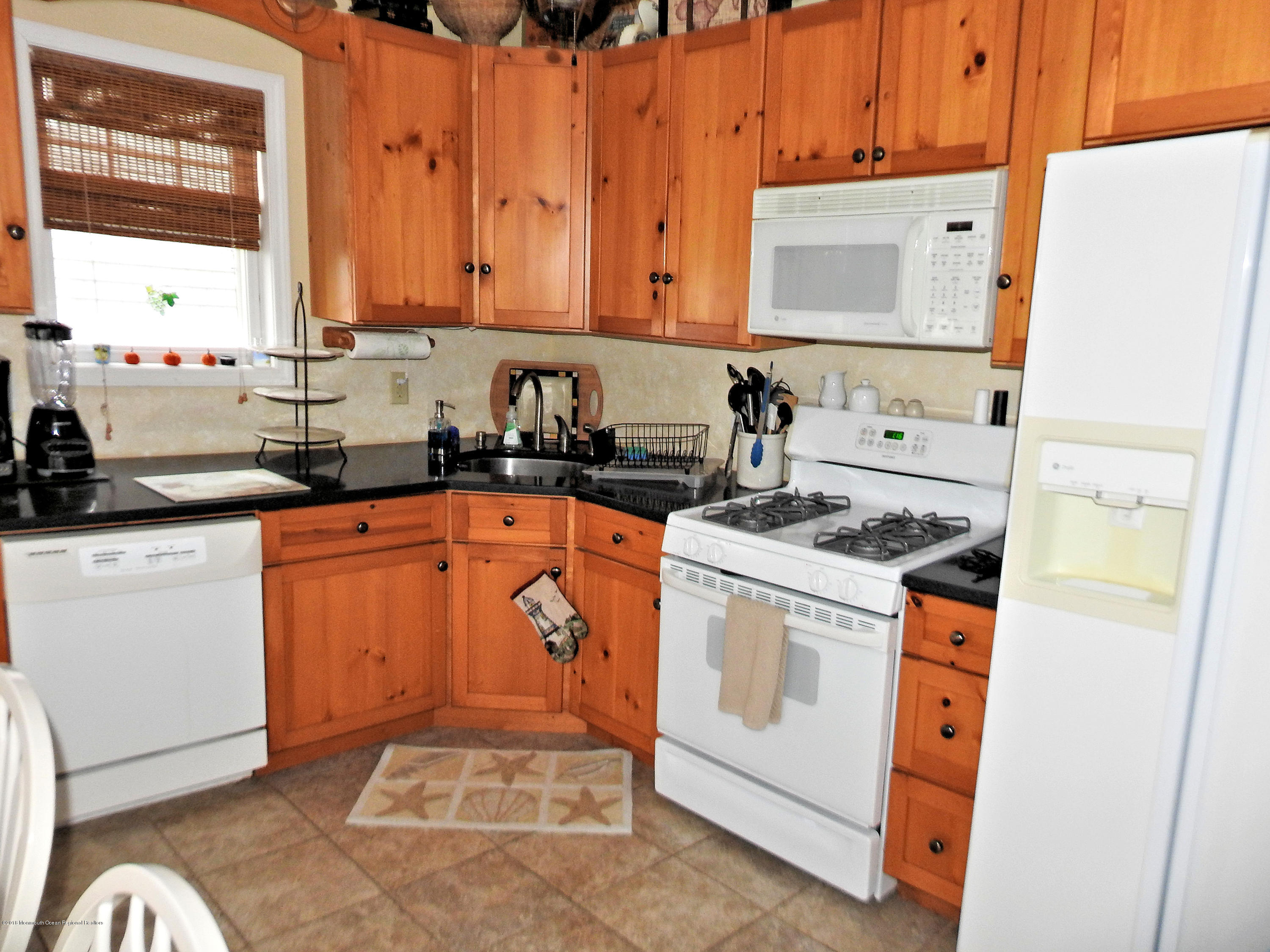 223  Gull Lane - Picture 6