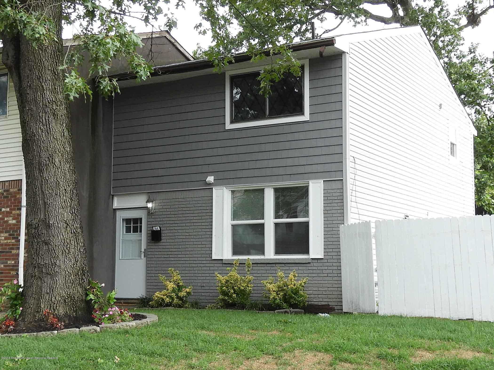 Great opportunity to rent a large 1152 sf 3 bedroom, newly renovated home with a huge yard, and off street parking.  Bathrooms, kitchen, fixtures, appliances, floor, sliding door, everything is new and ready for new buyer or tenant to move in.