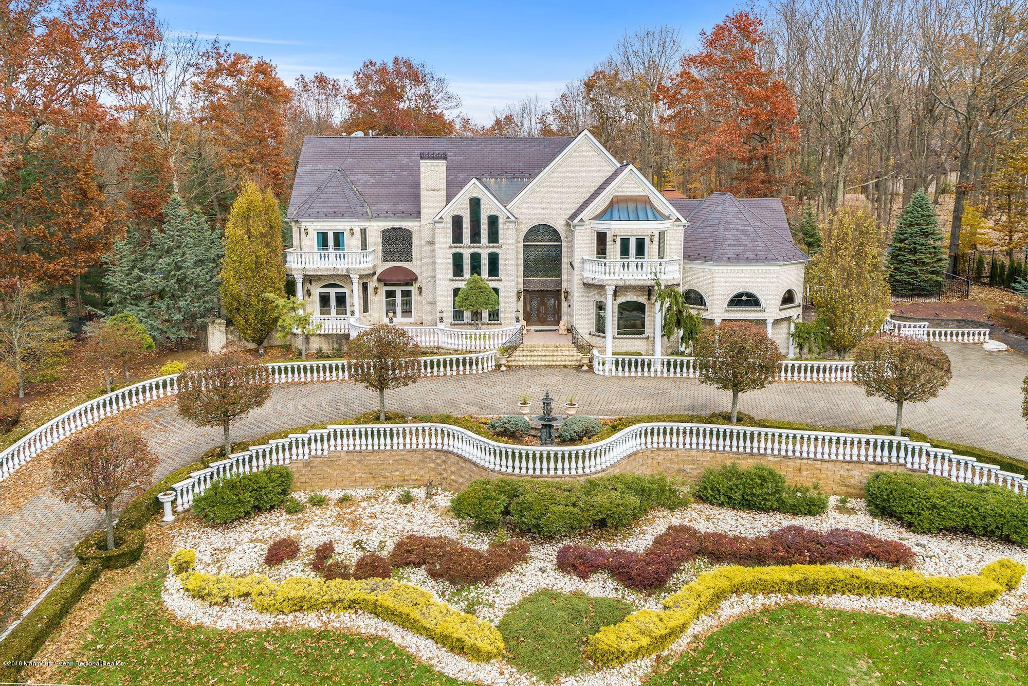 Manalapan and Marlboro, New Jersey Real Estate   JoAnna