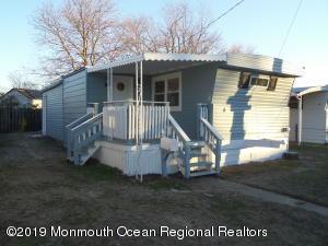 4 Bayshore Mobile Mnr, Hazlet, NJ 07730