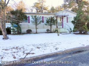 87 Woodchuck, Whiting, NJ 08759
