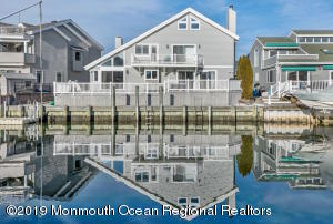 13 Captains Court, Manasquan, NJ 08736