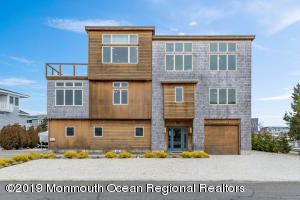 92 Panorama S, Long Beach Twp, NJ 08008