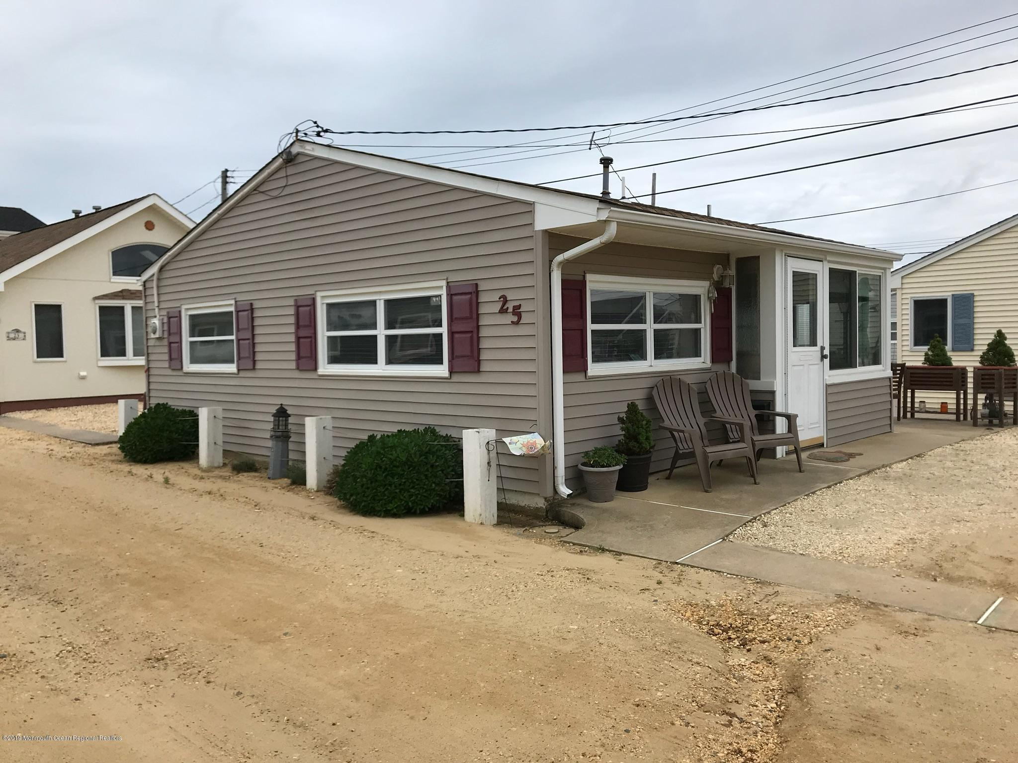 25 E Cormorant Way - Lavallette