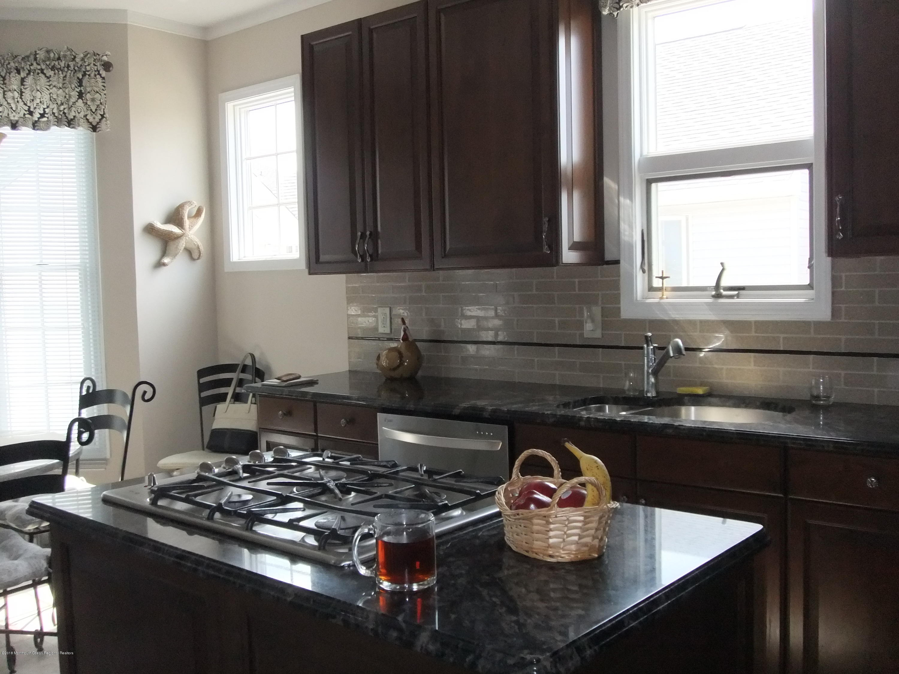 903  Bay Boulevard - Picture 13