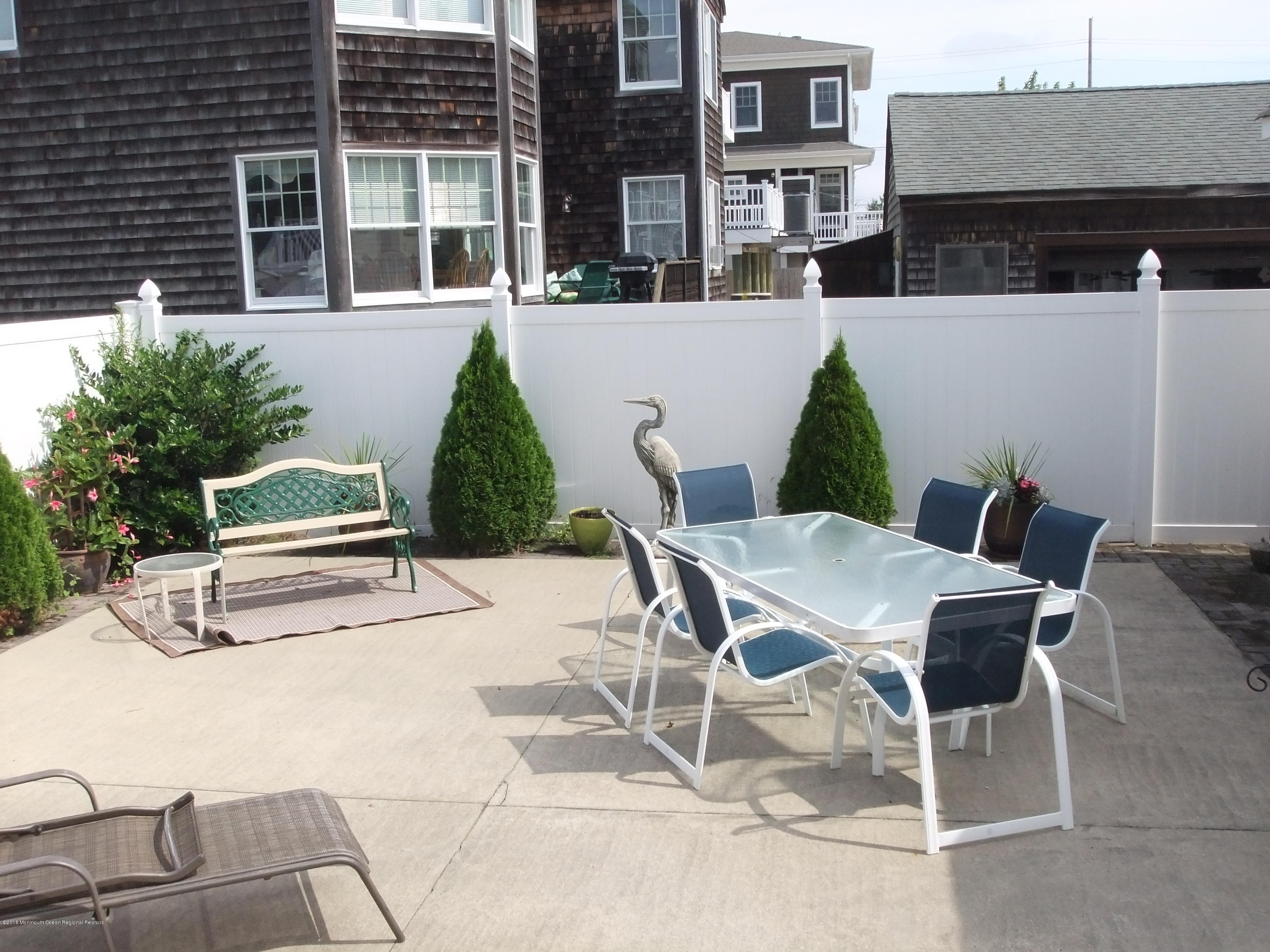 903  Bay Boulevard - Picture 25