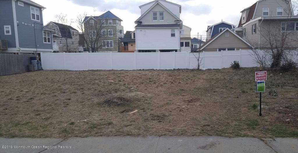 40 Seadrift Avenue Highlands NJ 07732