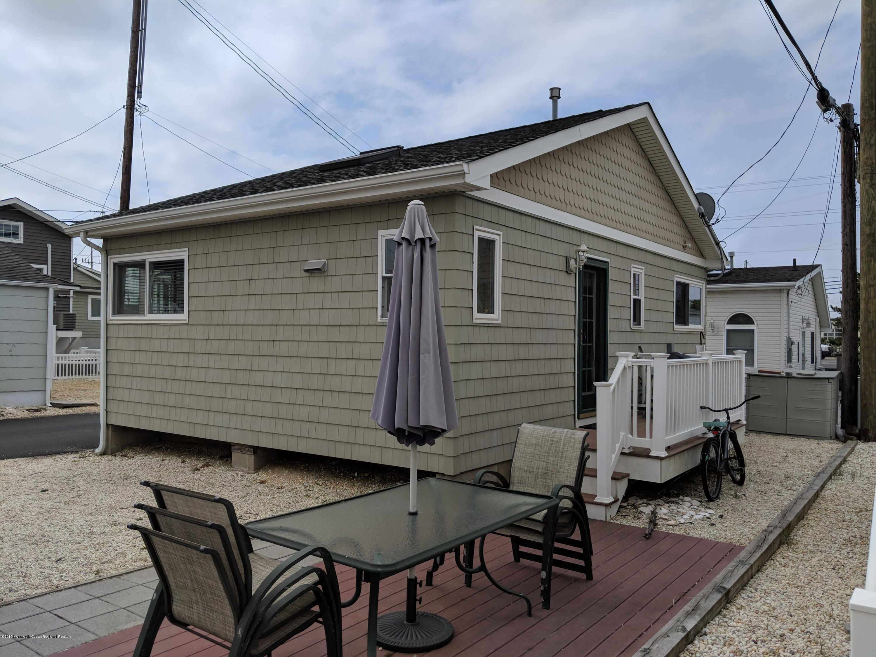 28 E Bayberry Way - Picture 2