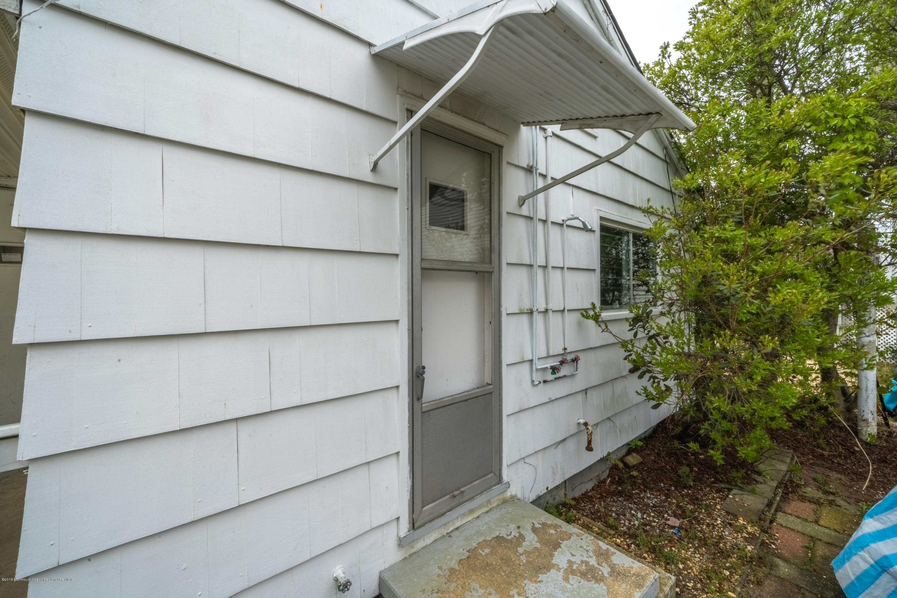 104 W Shore Way - Picture 15